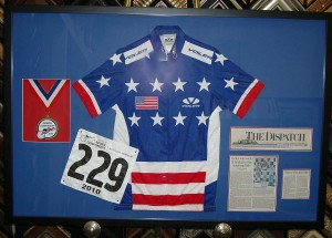 Bicycling jersey, placard,  medal, article